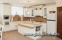 Кухня с российскими фасадами из дерева